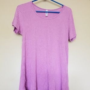 EUC LuLaRoe Classic T Shirt Large